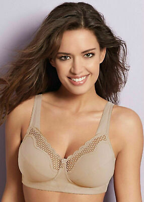 Bestform Nonwired Soft Cup Bra 10748 in White and Black