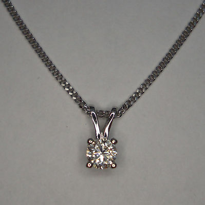 1/4Ct Genuine Solitaire Diamond 4 Claw Pendant 9Ct White Gold + Chain 0.25