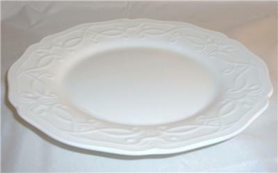 Wedgwood TRADITIONS HEIRLOOM Bread Plate, New w/tag