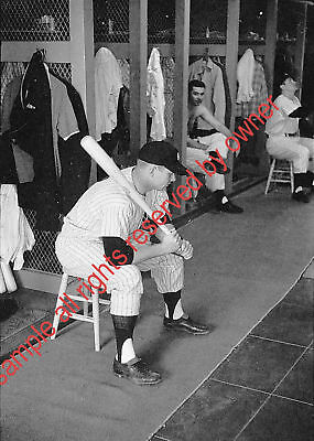 MICKEY MANTLE IN LOCKER SEATED WITH BAT GREAT PHOTO 5x7