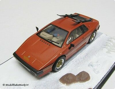 007 LOTUS ESPRIT TURBO Diorama