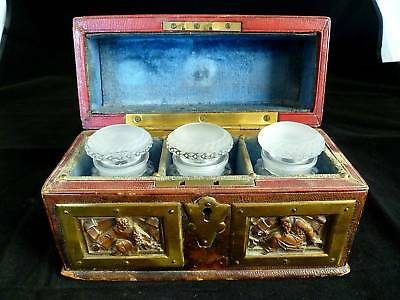 EXTREMELY RARE LATE 18th CENTURY GERMAN MAKE-UP KIT FOR THE DEAD