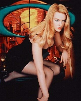 NICOLE KIDMAN AS DR. CHASE MERIDIAN FROM BAT 8X10 PHOTO lovely photo 215626