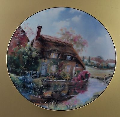 English Country Cottages Plate MURRLE COTTAGE Floral