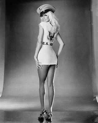 """SUZANNE SOMERS Poster Print 24x20"""""""