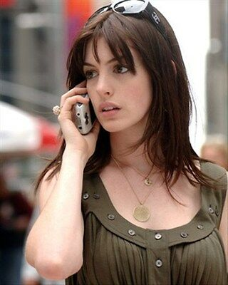 ANNE HATHAWAY 8x10 Photo cool pic 273186