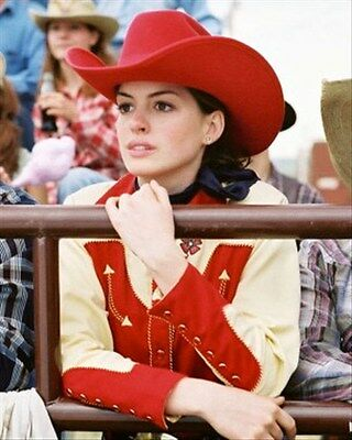 ANNE HATHAWAY 8x10 Photo classic image 271879