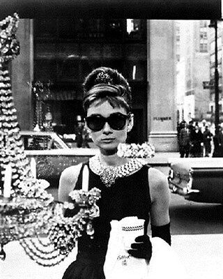 AUDREY HEPBURN AS HOLLY GOLIGHTLY FROM BREAK 8x10 Photo cool photo 167835