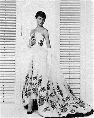 AUDREY HEPBURN 8x10 Photo lovely image 162828