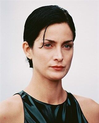 CARRIE-ANNE MOSS 8x10 Photo iconic image 241367