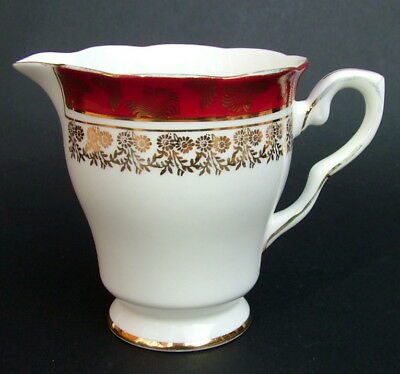 Royal Stafford 1970's Red Scrolls 8686 Pattern Tea Size Milk /Cream Jug 10cm