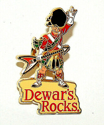 Dewars Rocks Collectors Pin Guitar Playing Scotsman Scotch Whiskey New NOS 2001