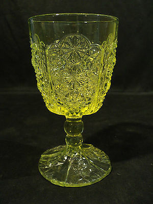"""EARLY AMERICAN PATTERN GLASS VASELINE GLASS """"DAISY & BUTTON"""" VARIATION GOBLET"""