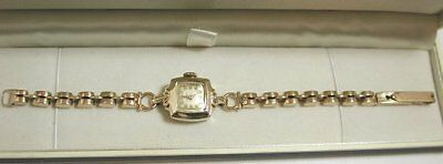 VERY STYLISH 1940s ALL SOLID 9CT GOLD LADIES WRISTWATCH WITH FABULOUS BRACELET
