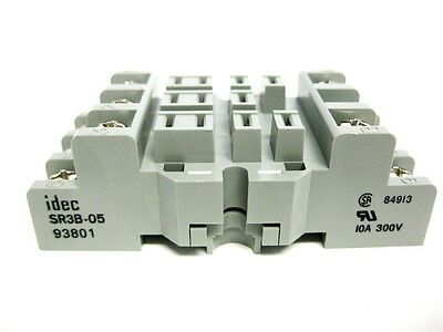 Idec - Sr3B-05 - Relay Socket, 300V, 15A (10A)* - New