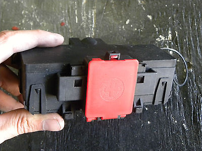 2004 Mercedes Benz W203 C240 Battery Terminal Fuse Box 2035450803