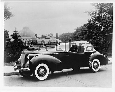 1940 Packard Darrin Convertible Coupe, Factory Photo (Ref. #61883)