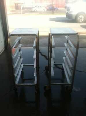 Mobile, 1/2 Height, 1/2 Size Bun Pan Racks W/solid Top, Ss Construction.