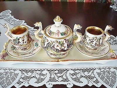 Capodimonte set of 6 pieces: cups and saucers, covered sugar and tray