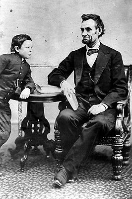 New 5x7 Photo: President Abraham Lincoln with his son Thomas, or 'Tad'