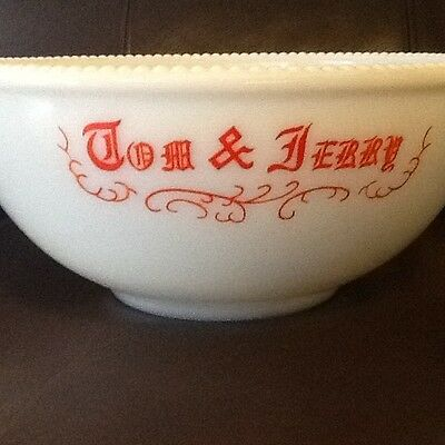 "MCKEE Vintage Tom and Jerry/Punch Bowl, 11"", Milk Glass with hobnail detail, EU"