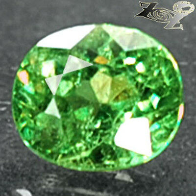 Firely Natural Oval 5*6mm Red Spark Green Andradite Demantoid Garnet 0.98 CT.翠榴石