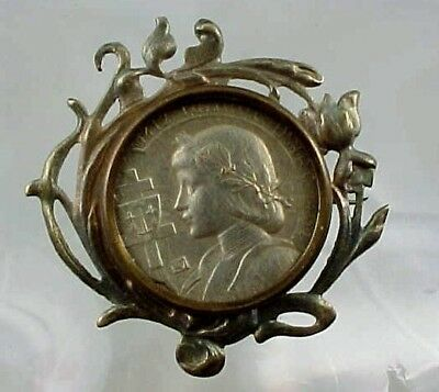 ART NOUVEAU FRENCH PHOTO PIN FROM FRANCE FEATURING JOAN OF ARC