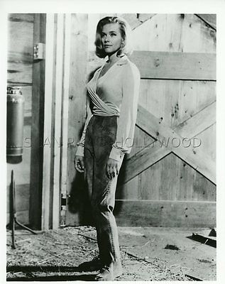 James Bond 007 Sean Connery Honor Blackman Goldfinger 1964 Vintage Photo #2