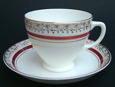 Vintage 1950's Sampson Smith Old Royal Tudor Pattern Tea Cups & Saucers in VGC