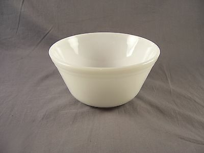 Vintage Mixing Bowl 1QT White Milk Glass Federal Glass Oven Ware