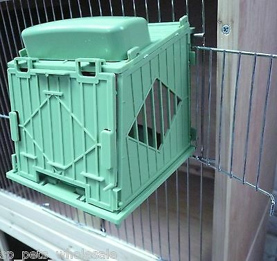 New Integrated Plastic Nest Box And Pan Suitable For Canaries Hooks On To Cage