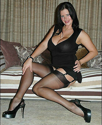 """XL Extra-Large Contrast Seamed Stockings with Cuban Heels (Up to 54"""" hip size)"""