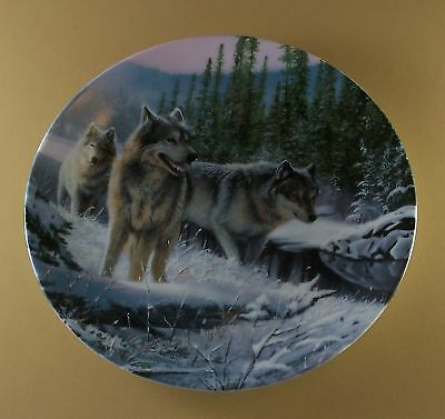 WINTER TRAVELERS Call of the Wilderness WOLF Plate Wolves Kevin Daniel #4