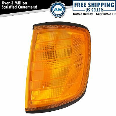 Side Marker Corner Parking Light Lamp Left LH Driver for Freightliner Mercedes