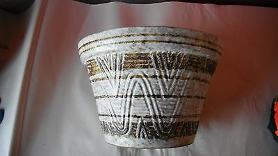 "8.5"" vintage Treasure Craft planter,gray/brown textured surface"