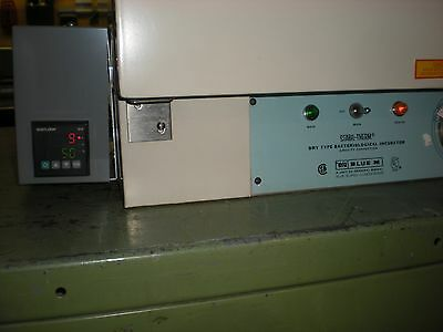 Blue M Model 200A Dry Type Bacteriological Incubator Oven w/Digital Controller