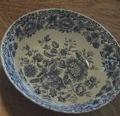 Staffordshire Ridgway Clifton Serving Bowl Excellent