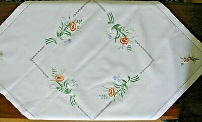 Vintage style, hand embroidered table cloth (gold/apricot)