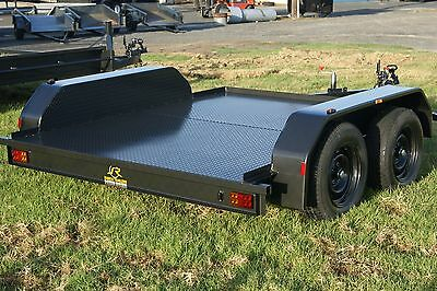 8x5 Flat Bench Tandem Trailer with Full Checker Plate Floor & Hydraulic Brakes