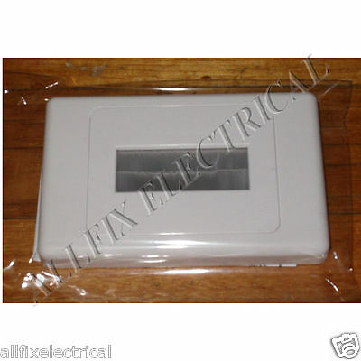 White Brush Type Wallplate for Cable Entry/Exit - Part No PRO1272