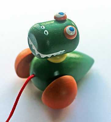 Crocodile - Classic wooden pull-along wheeled  toy new Detoa European certified