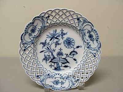 "Gorgeous Meissen ""blue Onion"" Crossed Swords 8"" Reticulated Plate"