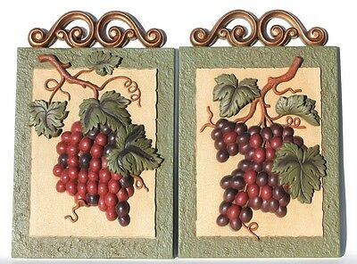 2 Home Interiors 3D Grapes Fruit Wall Plaques Molded Plastic USA Made By GIA Inc