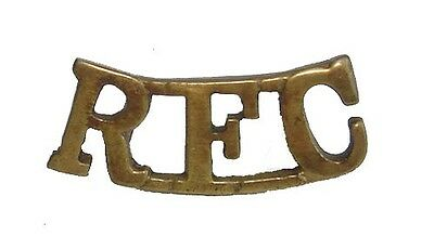 WW1 THE ROYAL FLYING CORPS SHOULDER TITLE BRASS METAL