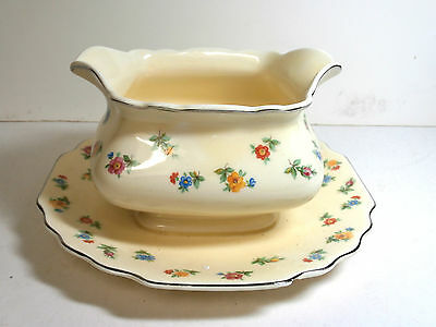 VINTAGE W S GEORGE 2 SPOUT ANNIVERSARY GRAVY BOAT WITH ATTACHED UNDER PLATE