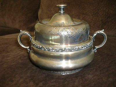 Meriden B. Co. Lovely Vintage/antique Silverplate Covered Candy Dish/sugar Bowl