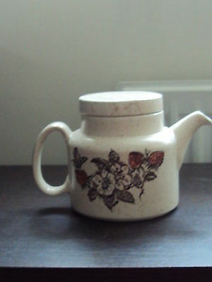 Barratts Pottery Beige speckled Strawberry Teapot