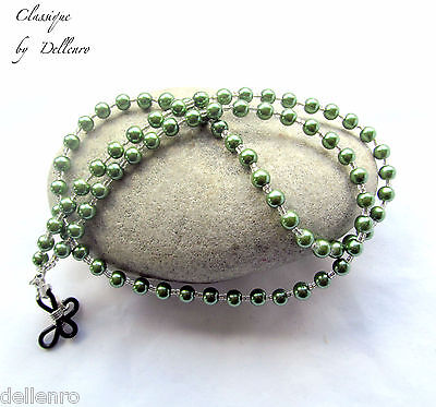 Classique.  Green Beaded Glass Pearl Eyeglass Necklace  Spectacles Chain Holder