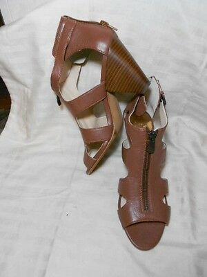125188ebde61 Vince Camuto Edleau Luggage Leather Zip Vamp Sandals 3.25