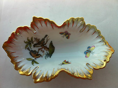 LOVELY HEREND TRINKET TRAY TRIMMED WITH GOLD BUTTERFLIES MUSHROOM & BIRDS